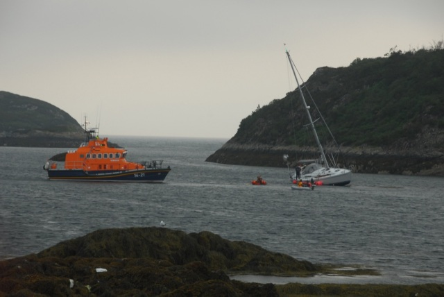 Portree Lifeboat Arrive